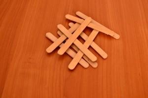 Игрушечный мостик своими руками - палочки от мороженого