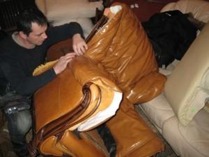 Реставрация кожаной мебели на дому