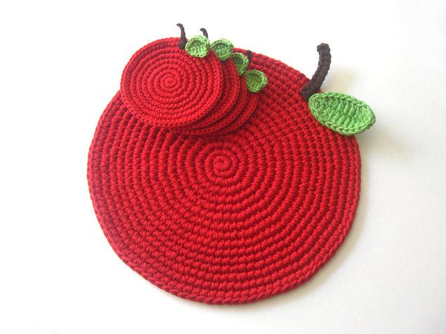Вязаная подставка яблоко под