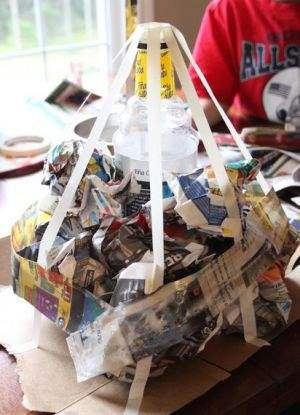 Как сделать вулкан своими руками из бумаги - нарезаем и приклеиваем полосы